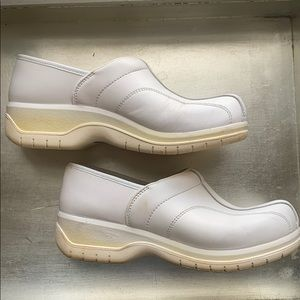 Dansko Professional White leather clogs